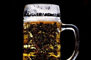 asbestos filtered beer, illustration purposes only - pixabay